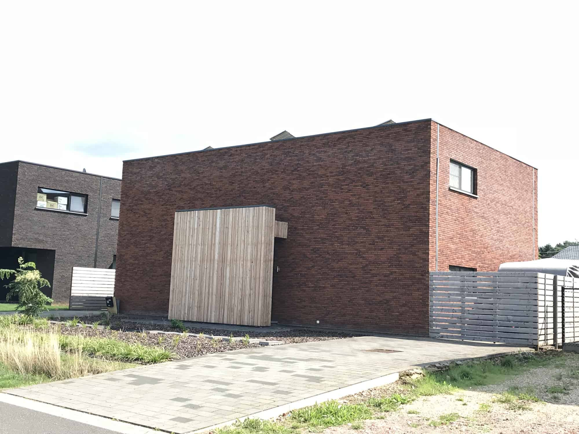 Detail afbeelding 1 van P & B   –   Zeer strakke & eenvoudige woning   –   Lummen | Ontwerp door architect Patrick Strackx